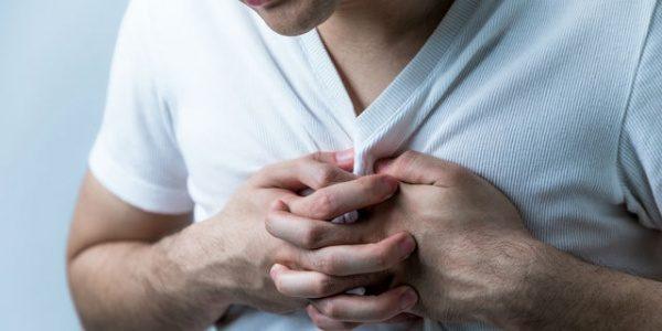 栄養Topics【常習的なグルコサミン使用と心血管疾患のリスクとの関連】