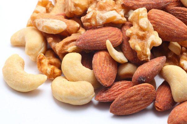 栄養Topics【妊娠中のナッツ摂取は8歳までの小児の神経発達改善と関連する】